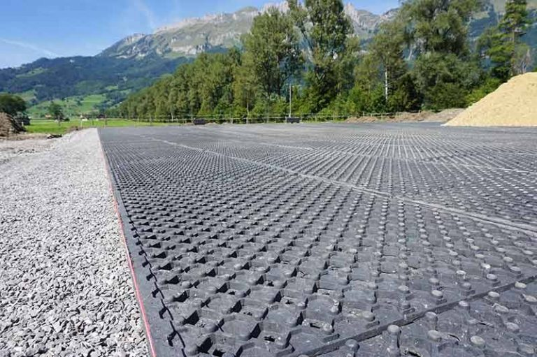 Equibase OT40 Mats create an all-weather arena that's rideable even in the wettest weather.