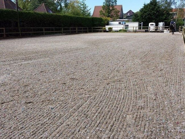 Outdoor horse riding arena using TruTex Element